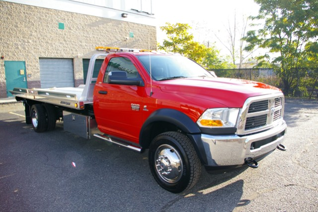 Benefits of Hiring a Towing Company